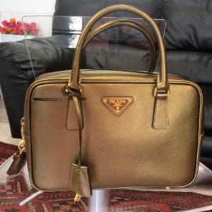 1fefae8252 Autentica Borsa Prada in Saffiano color Bronzo Oro. Usata in buone  condizioni.